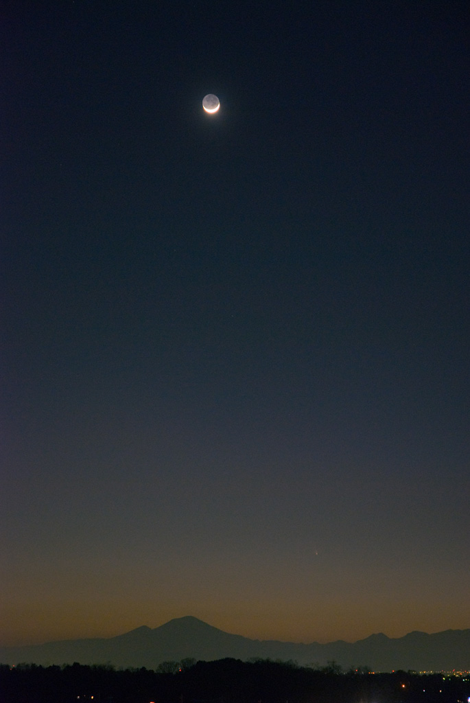 2013/03/14のパンスターズ彗星と月