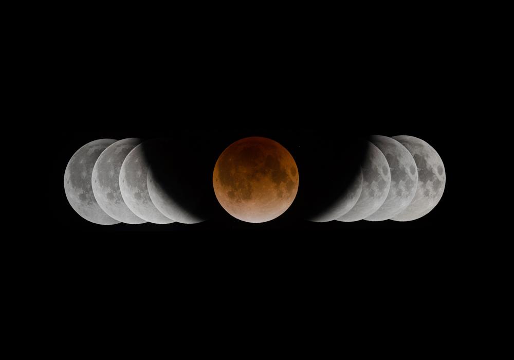 2011年12月10日 皆既月食でとらえた地球の影