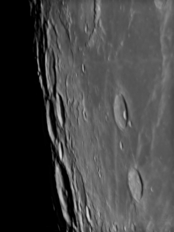 2014/04/14の月(満月近い月の拡大)