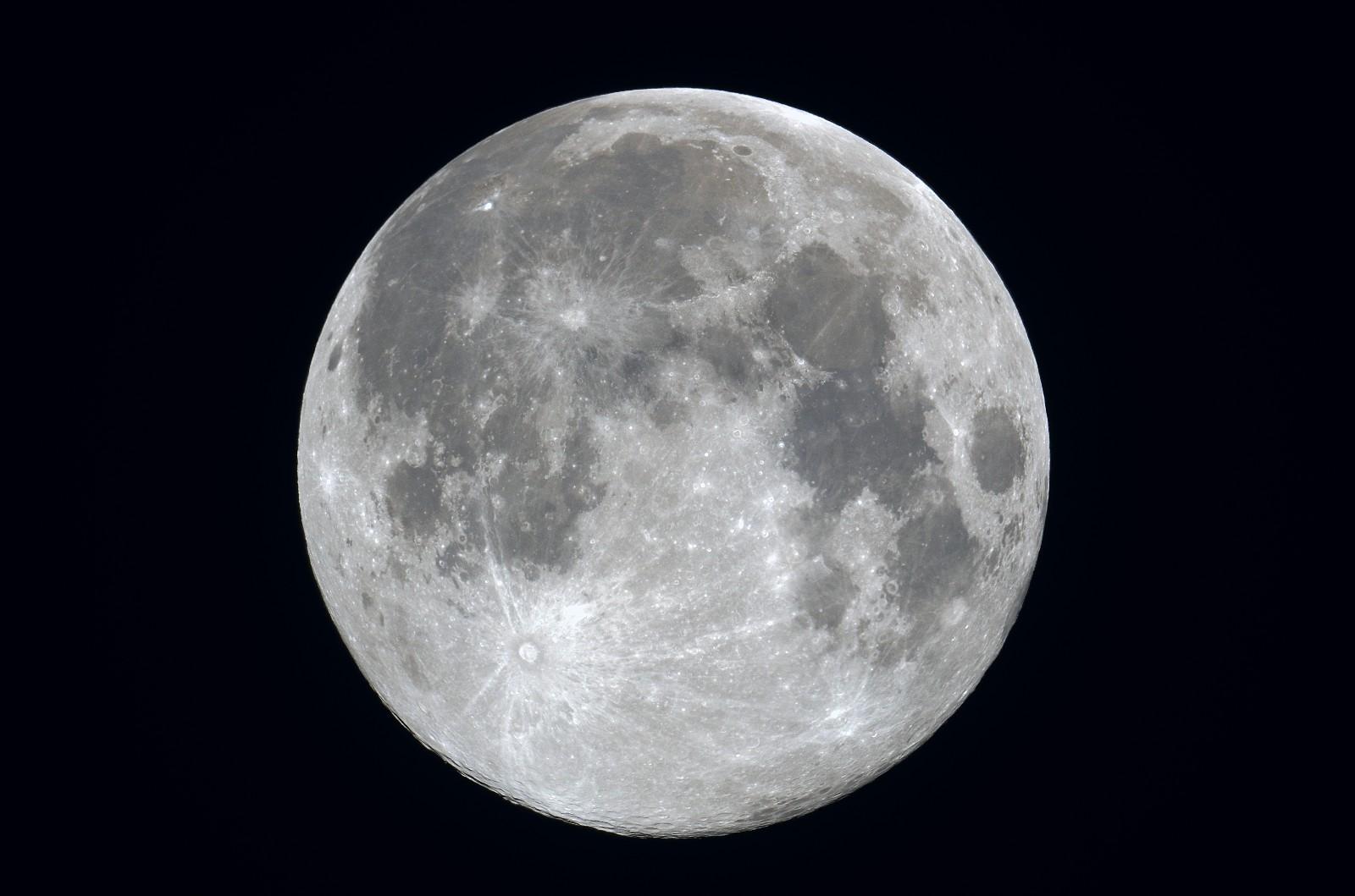 2011/09/12 十五夜の月(月齢14.8)
