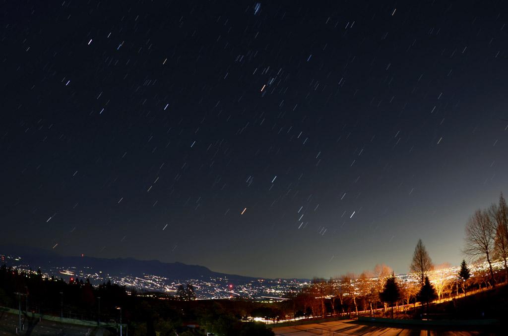赤城山から昇る冬の星々